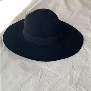• Black Felt Hat •